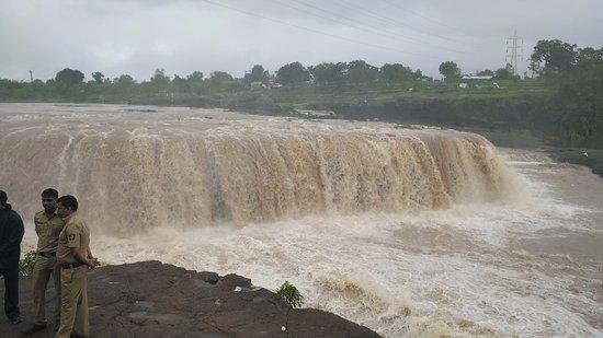 someshwar-waterfall